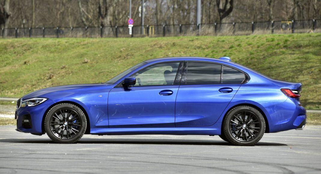 BMW 330i (G20) - bok