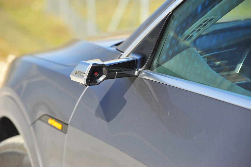 Audi e-tron - wirtualne lusterko wsteczne