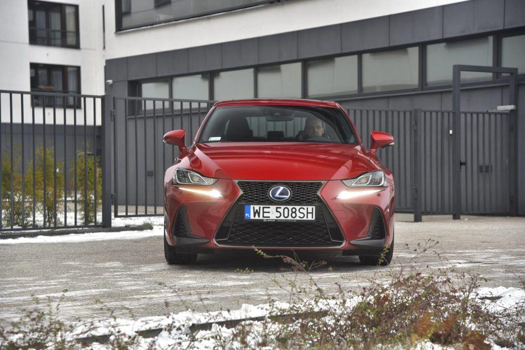 Lexus IS 300h (2018)