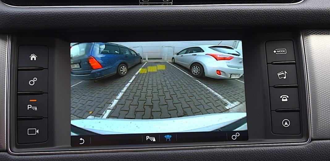 Jaguar XF - kamera cofania