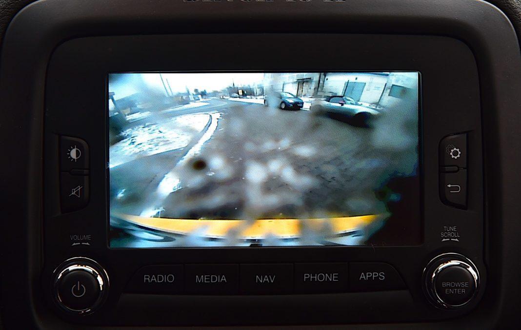 Jeep Renegade - kamera cofania
