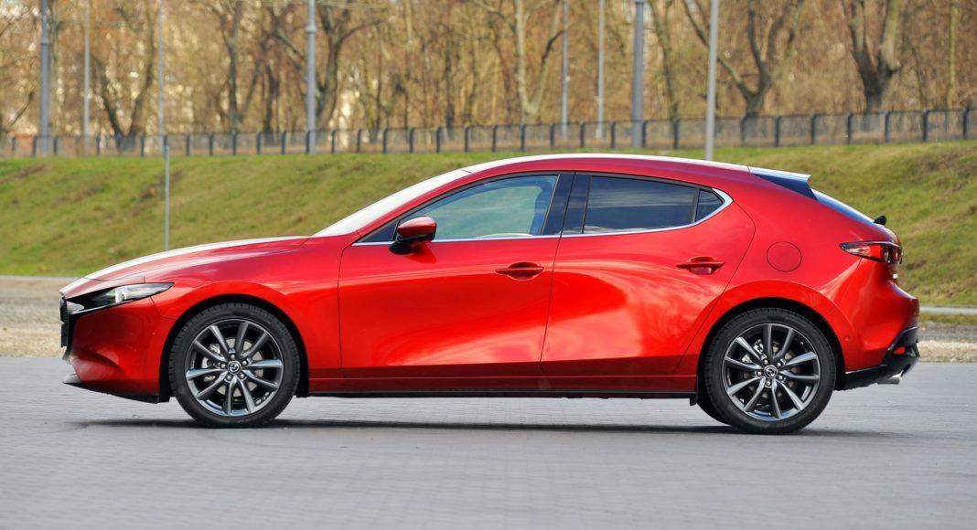 Mazda 3 2.0 SkyActiv-G - bok