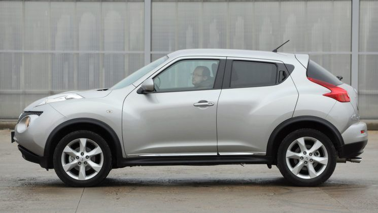 Nissan Juke - bok