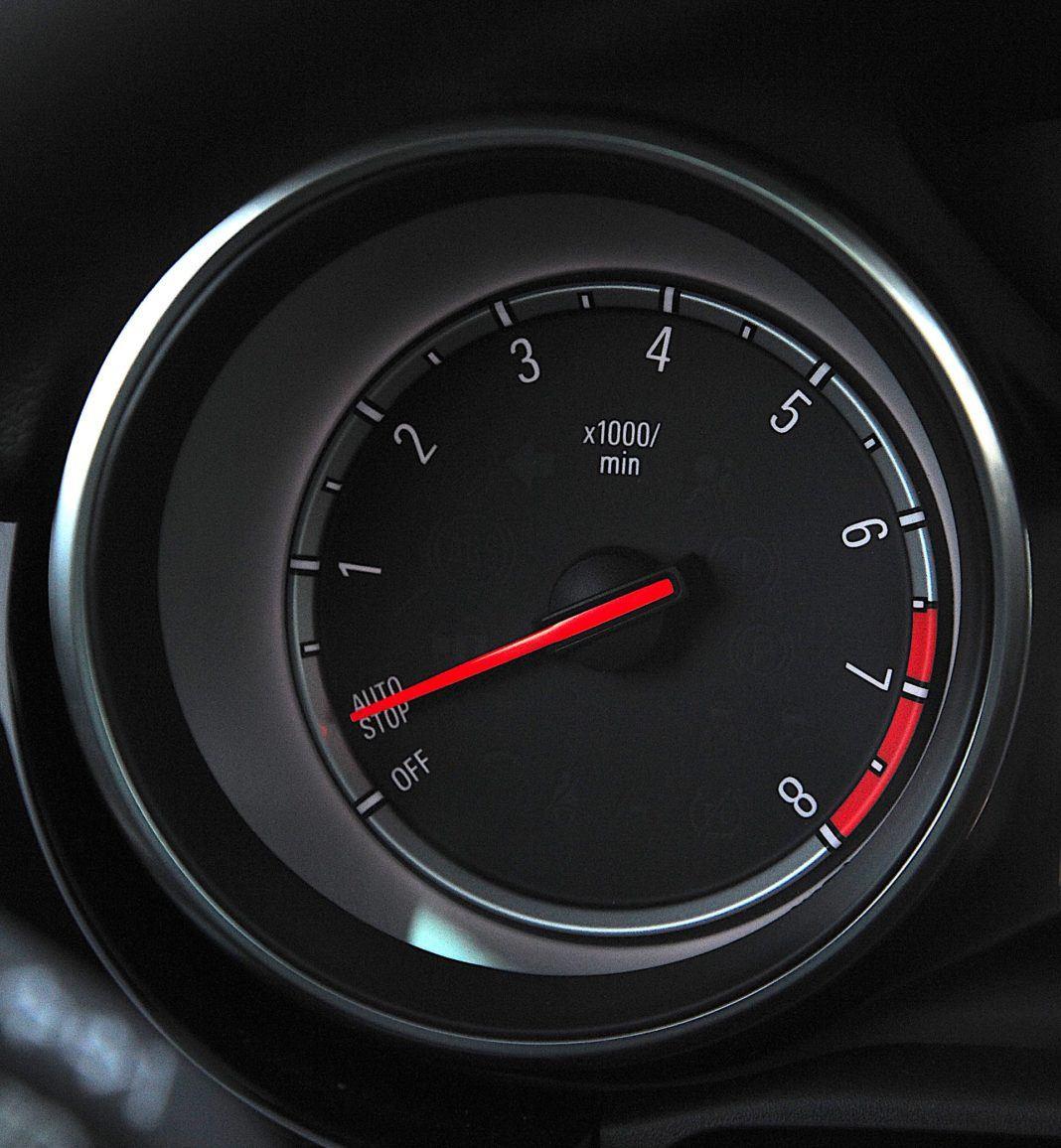 Opel Astra - system start/stop