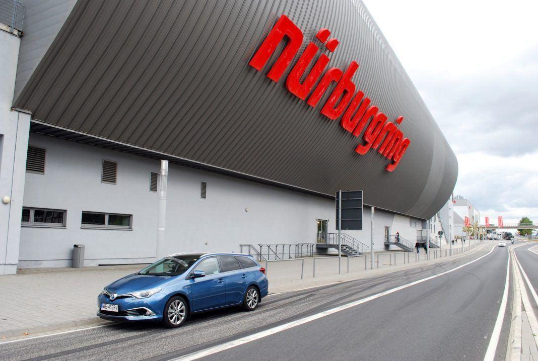 Toyota Auris TS Hybrid - Nurburgring