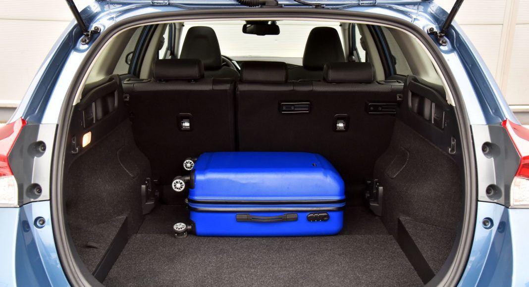 Toyota Auris TS Hybrid - bagażnik (2)