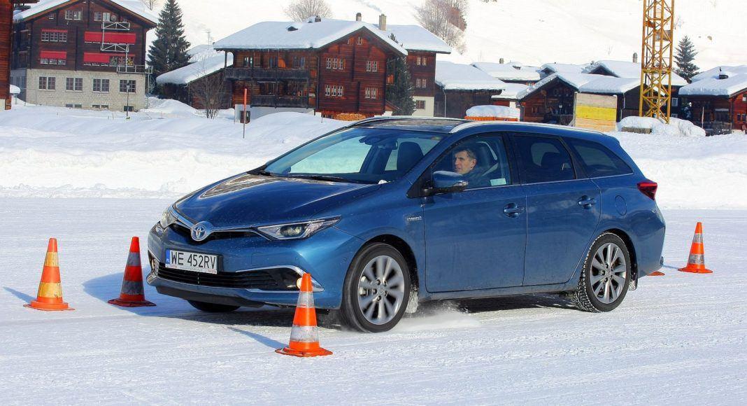 Toyota Auris TS Hybrid - dynamiczne