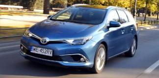 Toyota Auris TS Hybrid - dynamiczne (2)