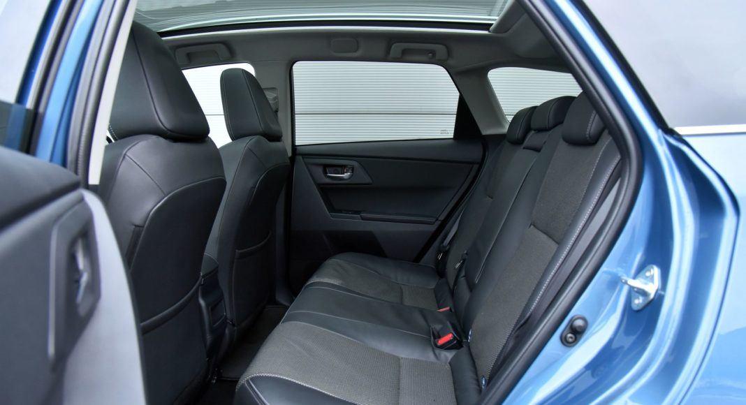 Toyota Auris TS Hybrid - kanapa