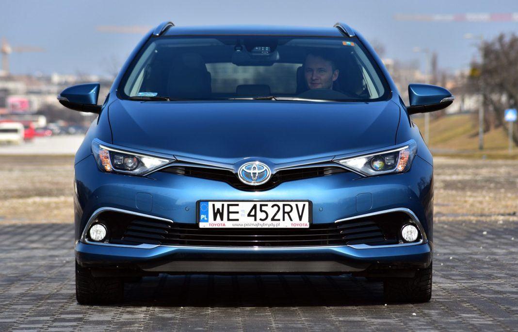 Toyota Auris TS Hybrid - przód