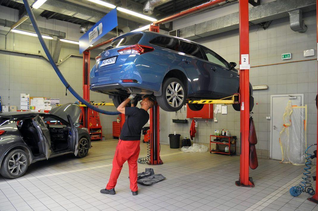 Toyota Auris TS Hybrid - przegląd (2)