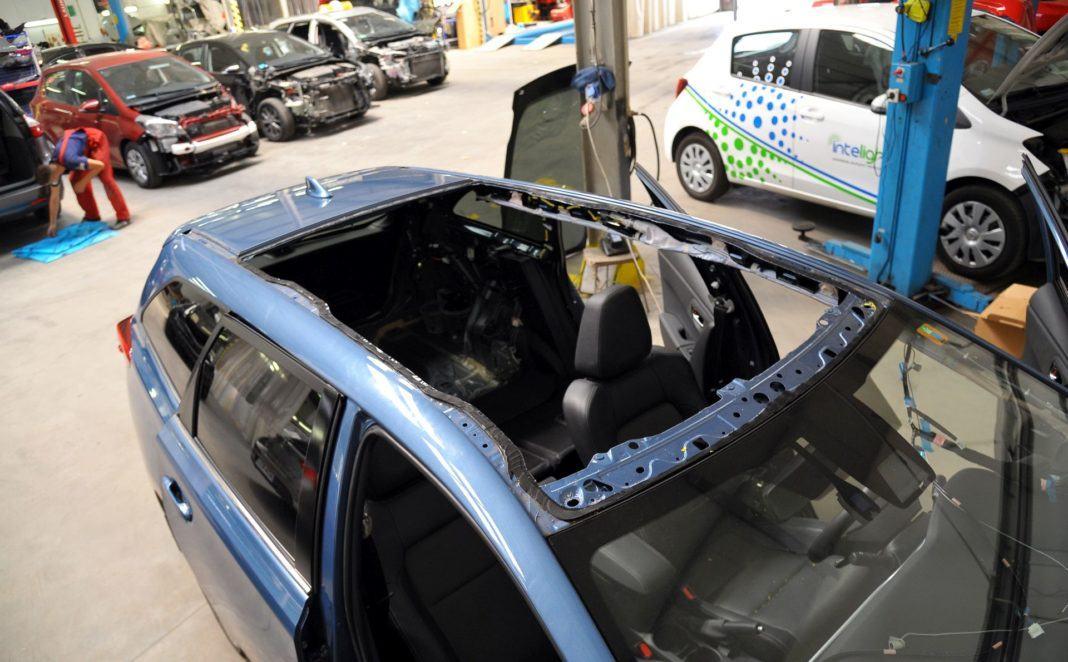 Toyota Auris TS Hybrid - wymiana dachu
