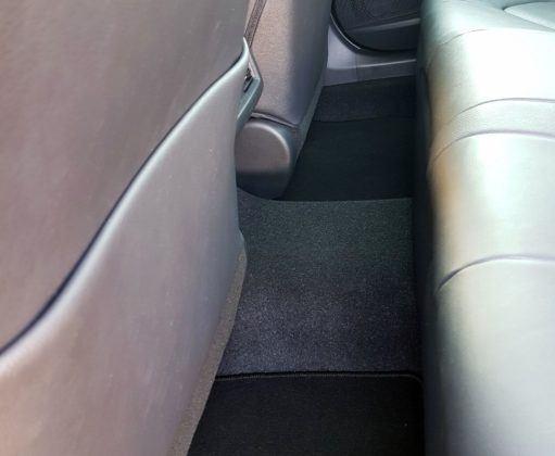 2019 Toyota Camry - tunel środkowy