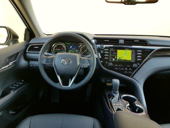 2019 Toyota Camry - deska rozdzielcza