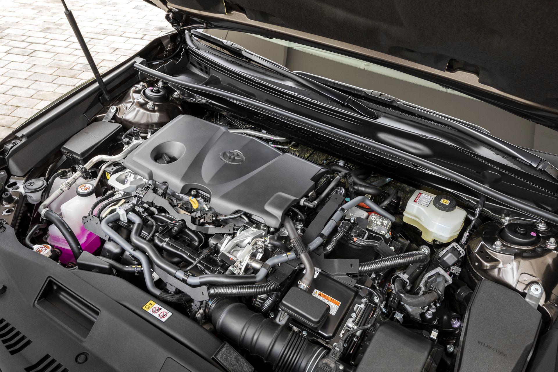 2019 Toyota Camry - silnik