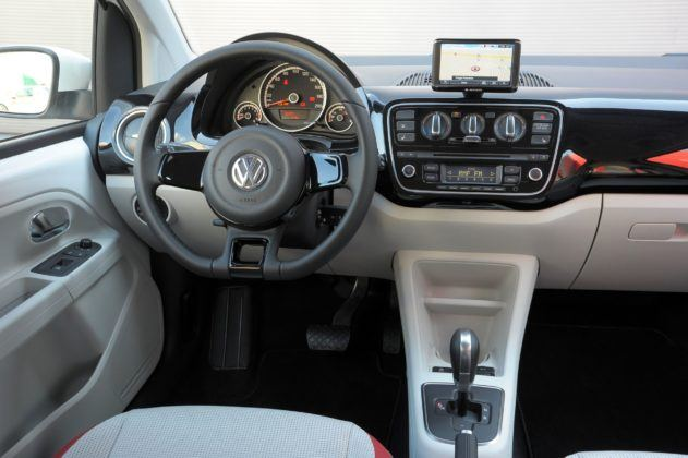 Volkswagen Up! - deska rozdzielcza (2)