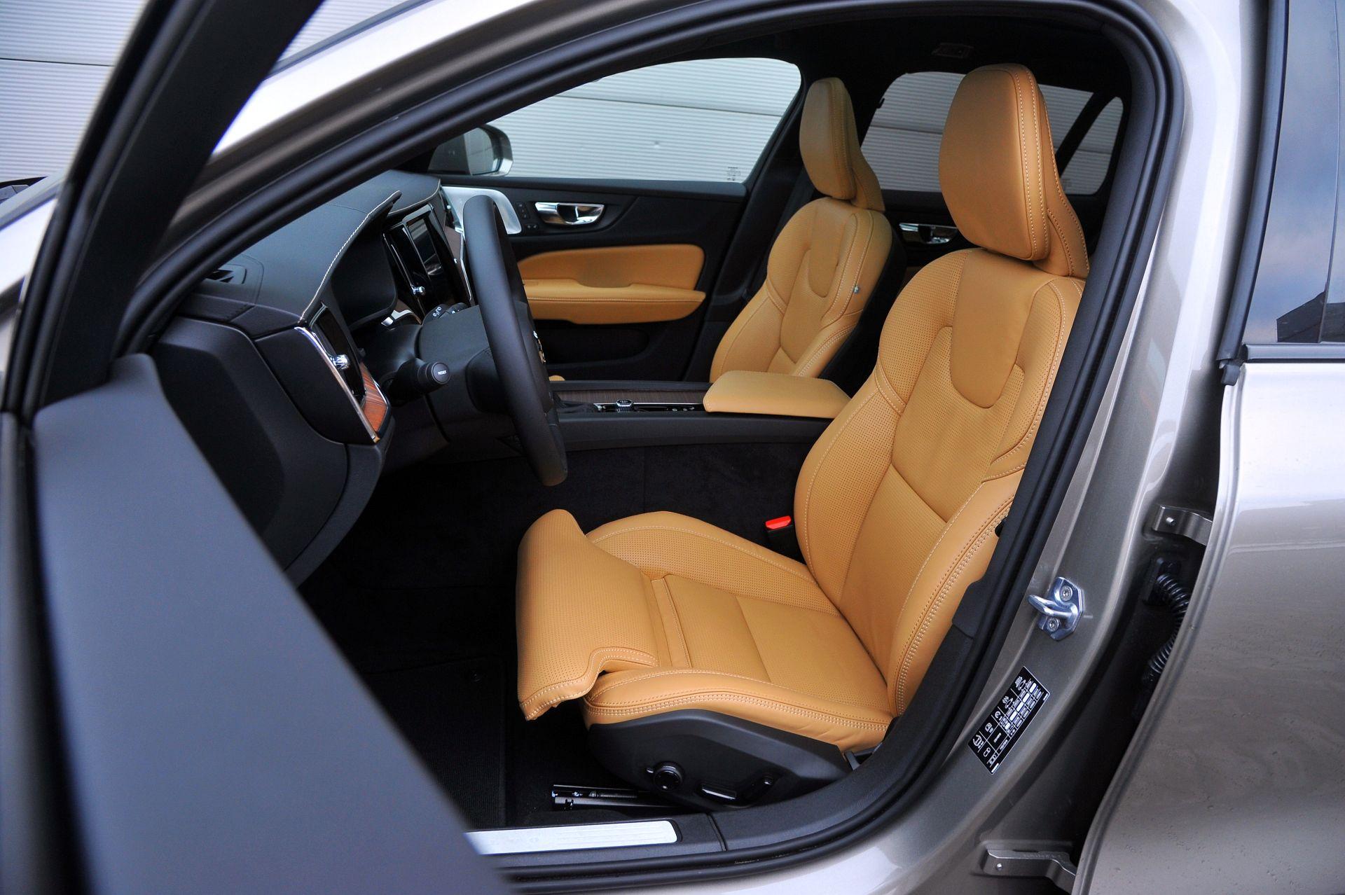 Volvo V60 Cross Country - fotel kierowcy