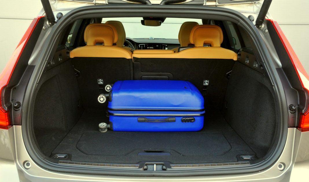 Volvo V60 Cross Country - bagażnik