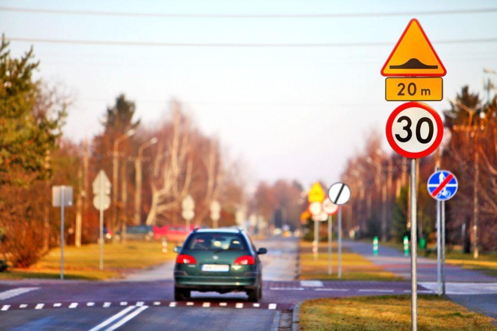Znaki drogowe 03