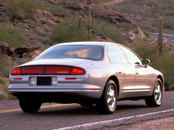 Oldsmobile Aurora (1995)