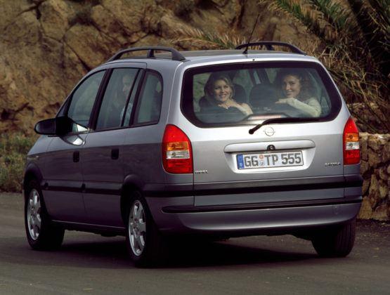 Opel Zafira - tył