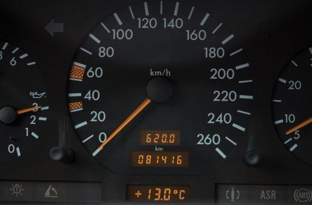 mercedes r129 zegary