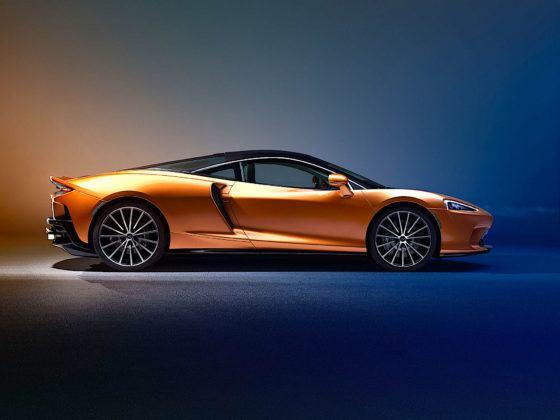 McLaren GT - bok