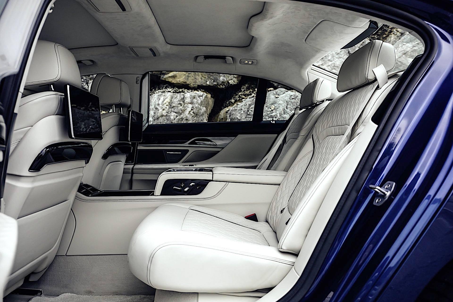 BMW Alpina B7 - kanapa