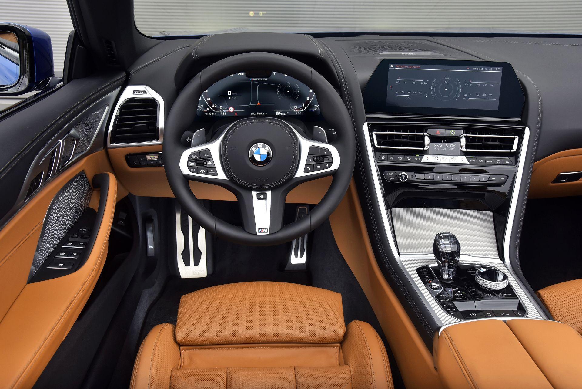 BMW M850i Cabriolet 15