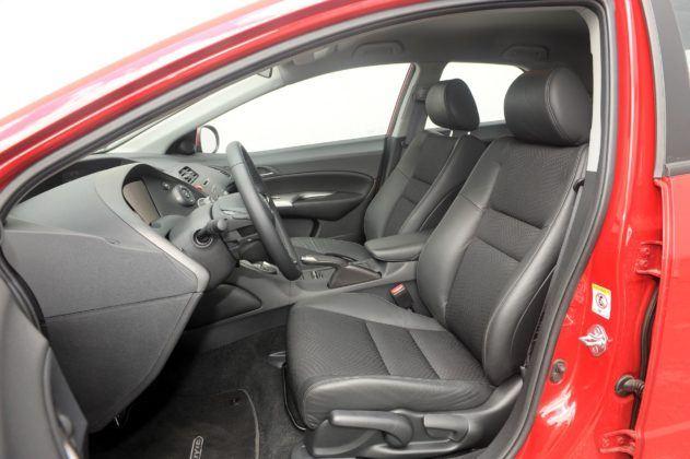 Honda Civic VIII - fotel kierowcy