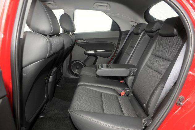 Honda Civic VIII - kanapa