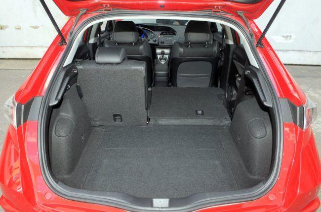 Honda Civic VIII UFO - bagażnik