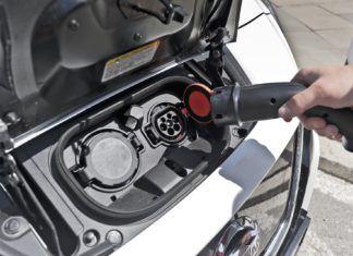 Ile kosztuje jazda elektrykiem? Koszt ładowania akumulatorów