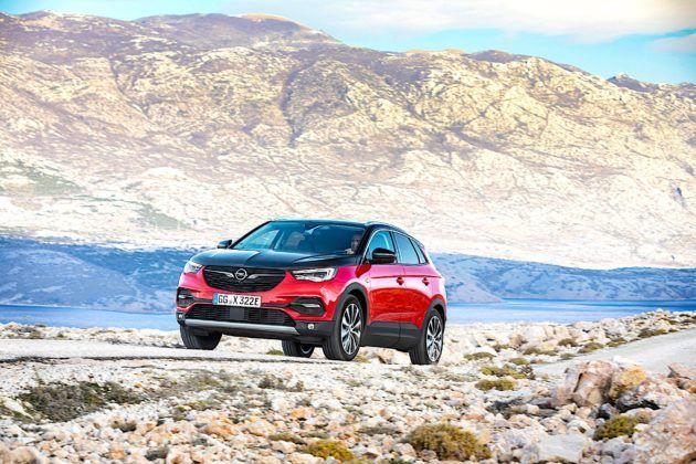 Opel Grandland X Hybrid4 - przód