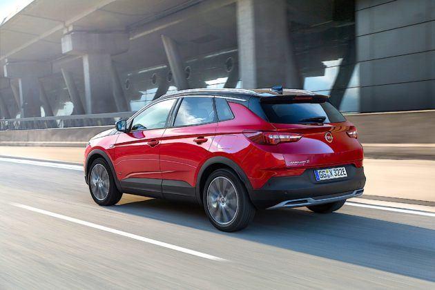 Opel Grandland X Hybrid4 - tył