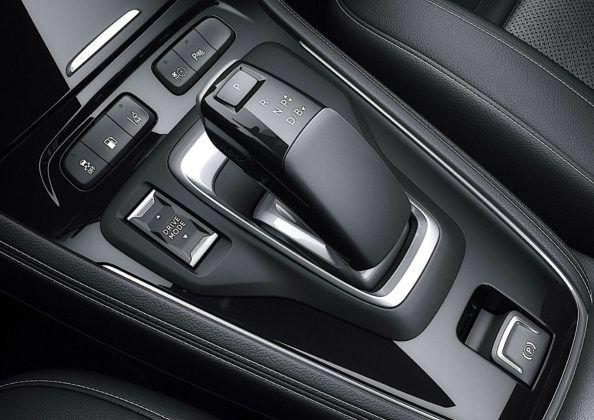 Opel Grandland X Hybrid4 - dźwignia