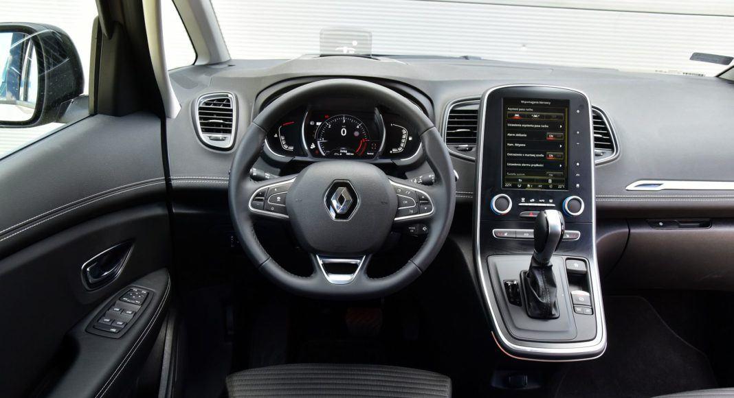 Renault Grand Scenic - deska rozdzielcza