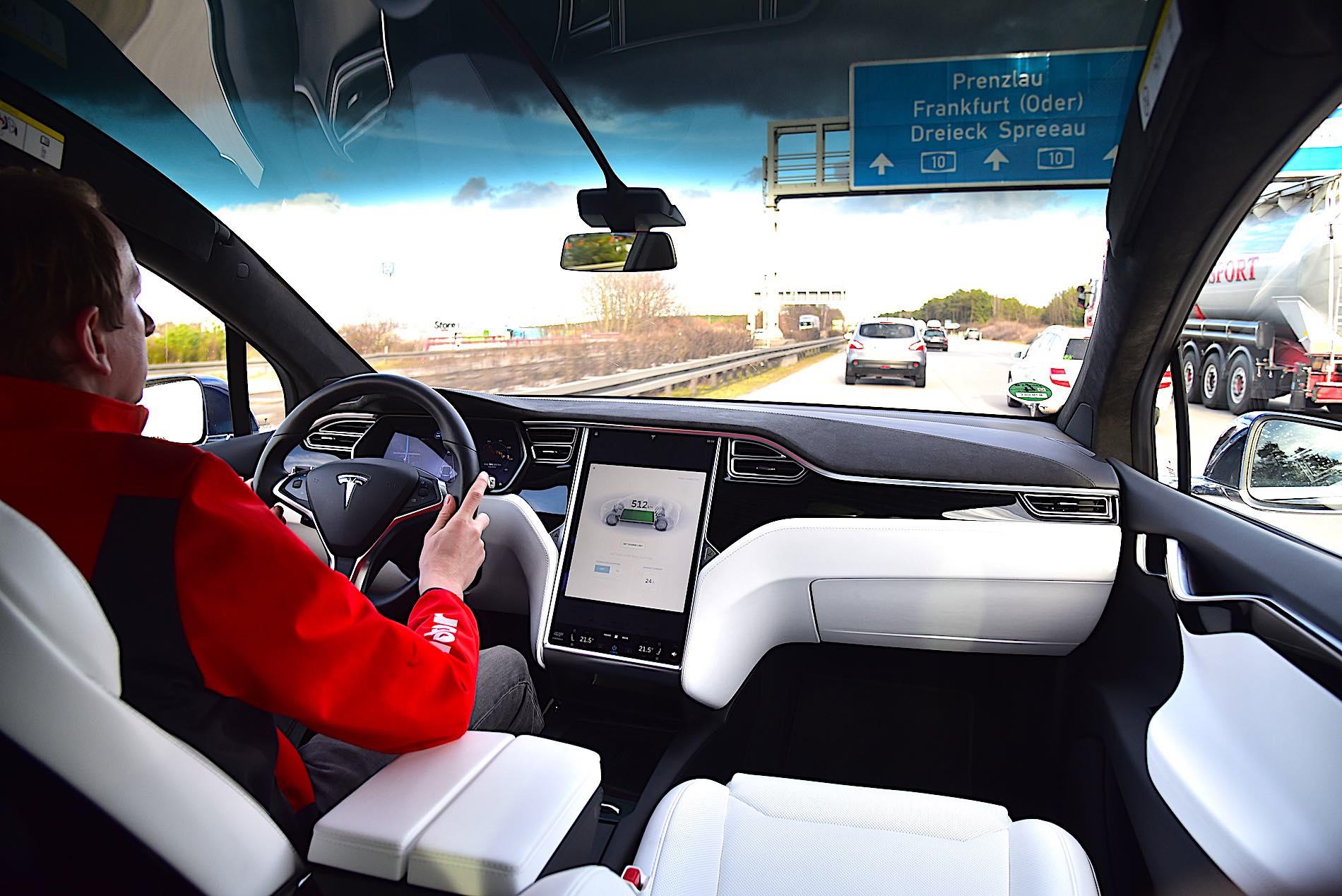 Tesla Model X P100D - przód
