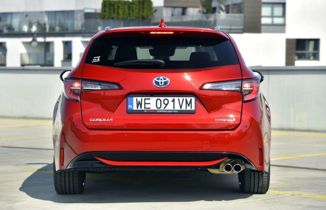 Toyota Corolla TS 2.0 Hybrid 22