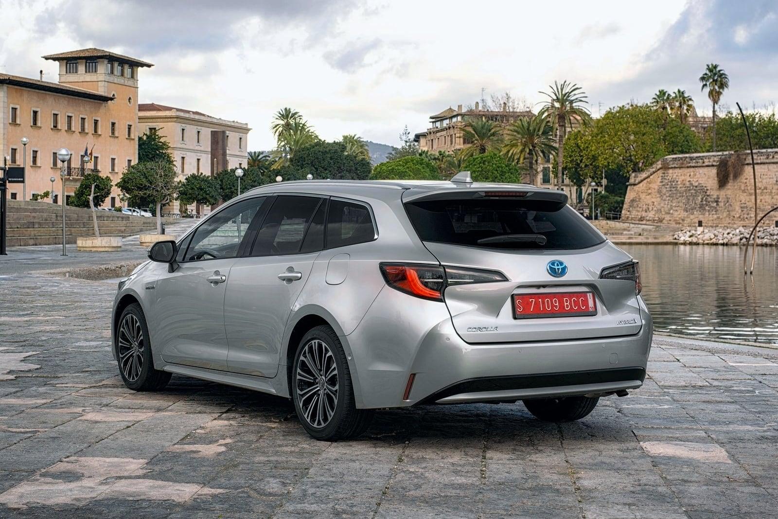Toyota Corolla Touring Sports – tył