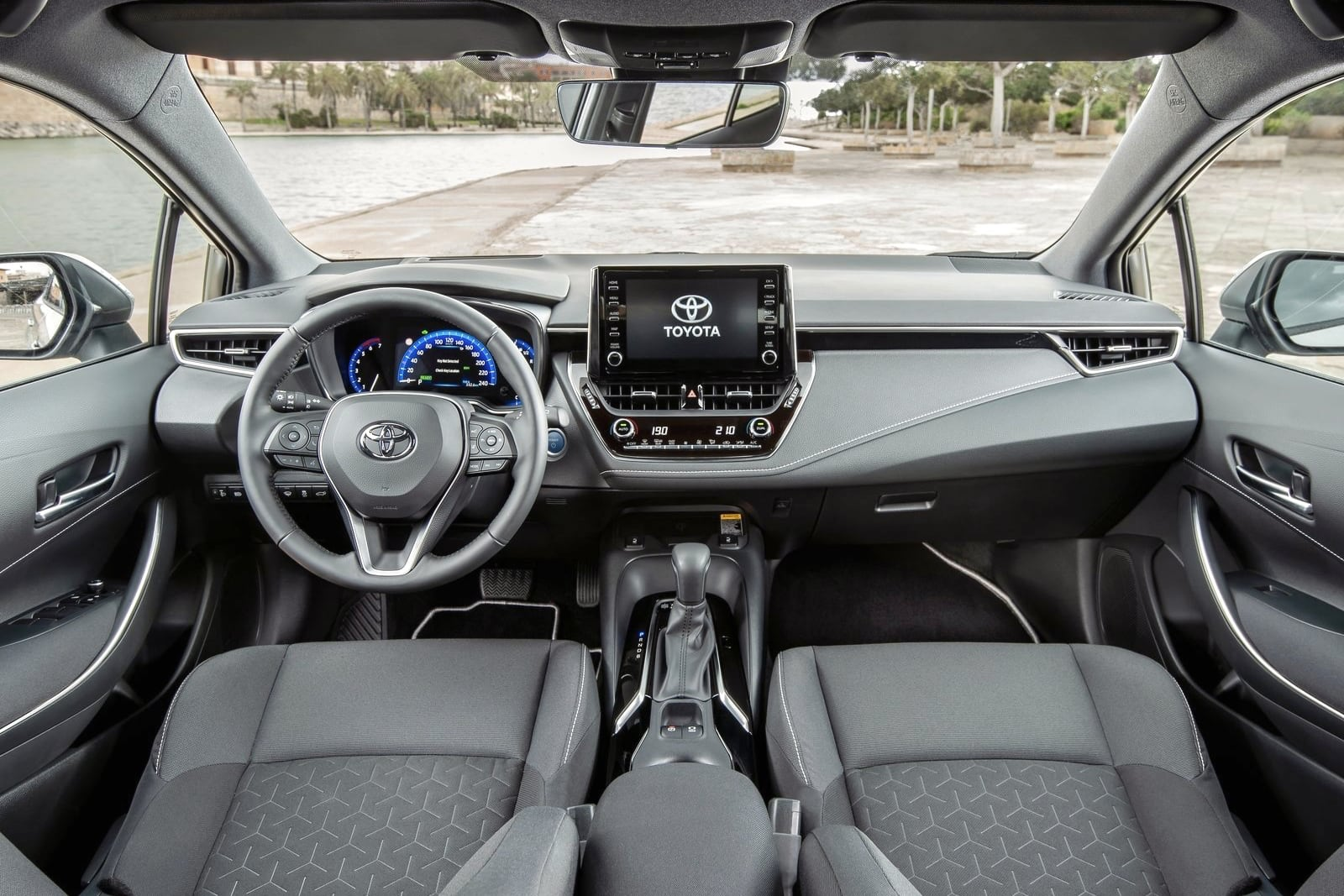 Toyota Corolla Touring Sports – wnętrze