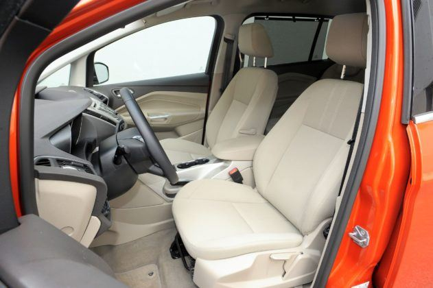 Ford Grand C-Max 03