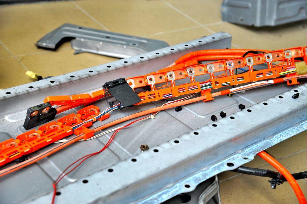 Regeneracja akumulatorów w hybrydzie 08