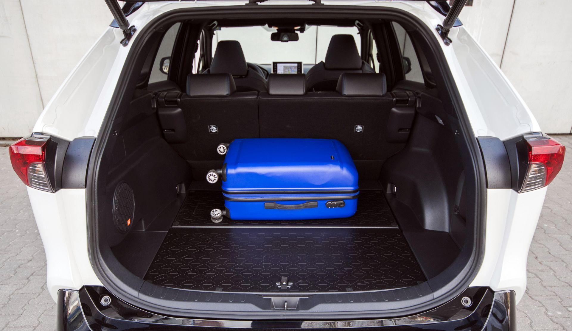 Toyota RAV4 Hybrid 03