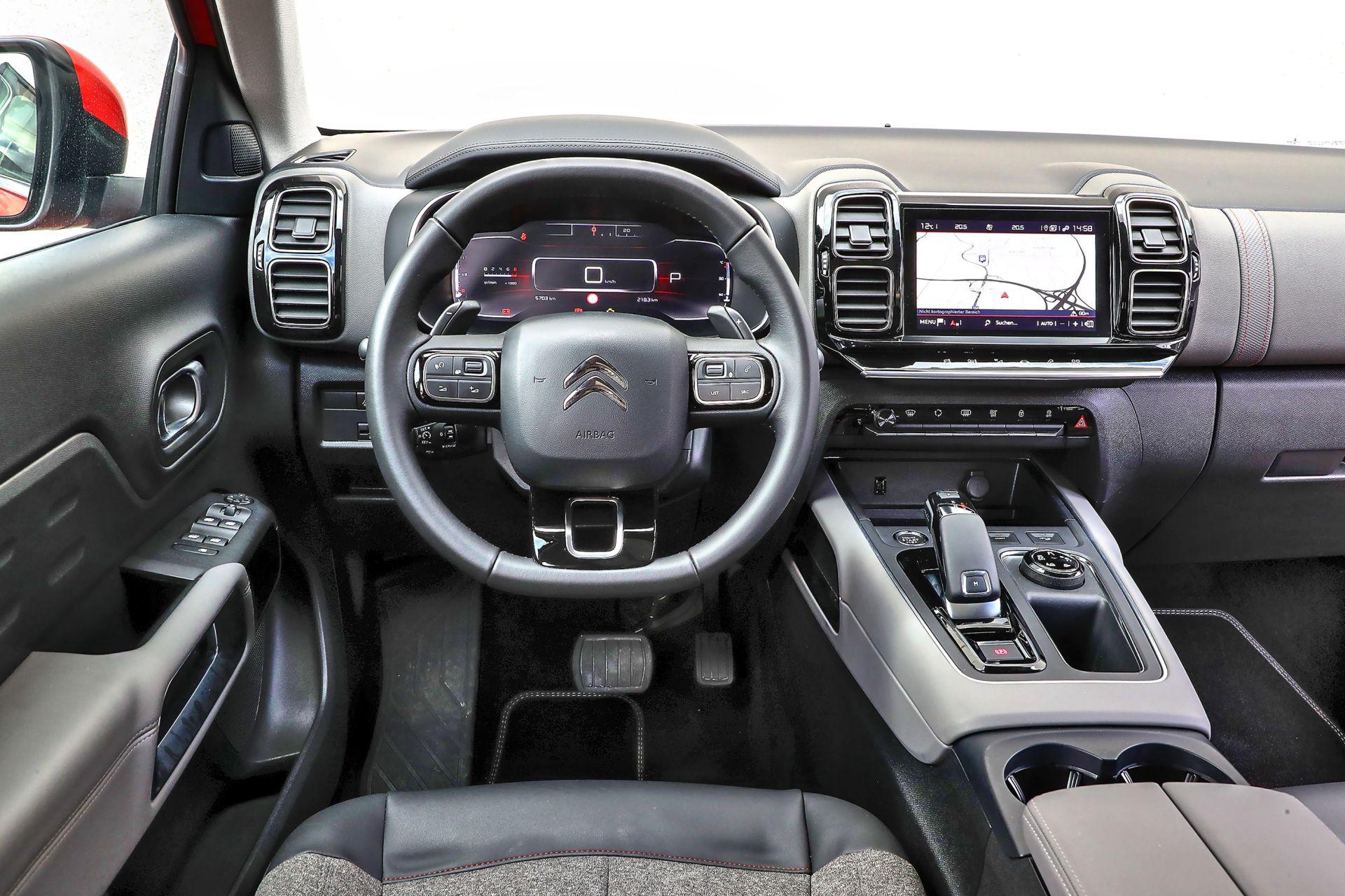 Citroen C5 Aircross Opel Grandland X Peugeot 3008 02