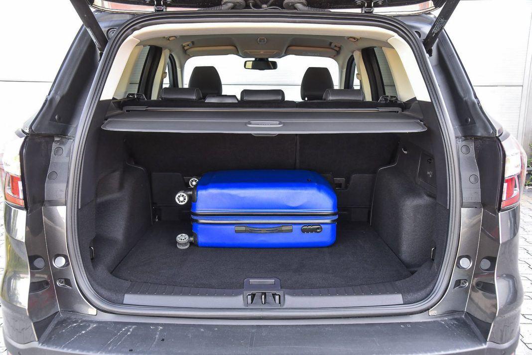 Ford Kuga 2.0 TDCi 180 4x4 Titanium - bagażnik
