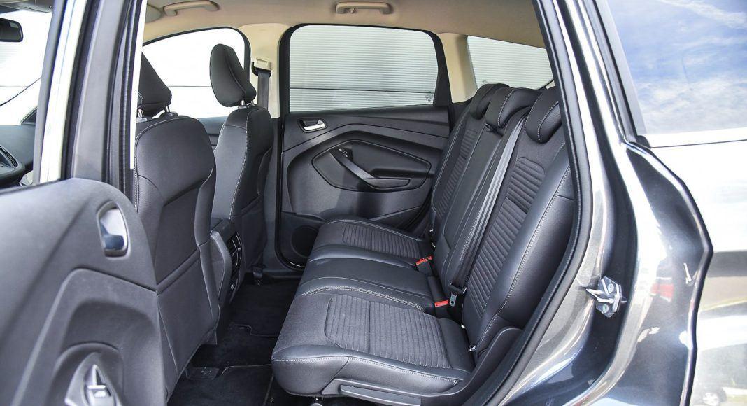 Ford Kuga 2.0 TDCi 180 4x4 Titanium - fotele z tyłu