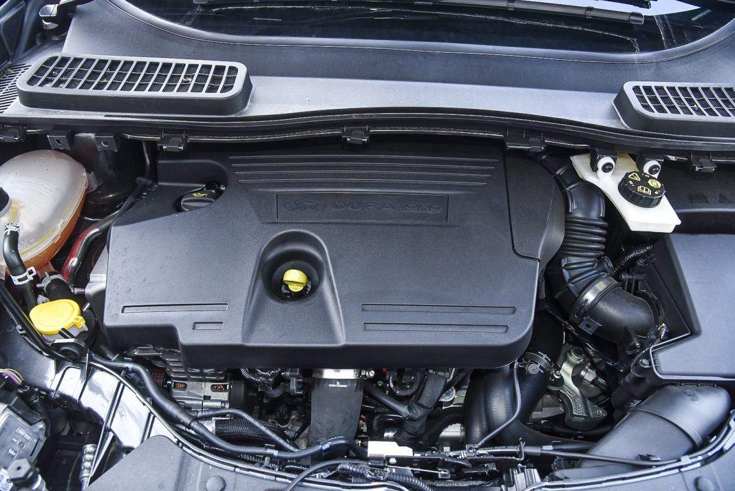 Ford Kuga 2.0 TDCi 180 4x4 Titanium - silnik