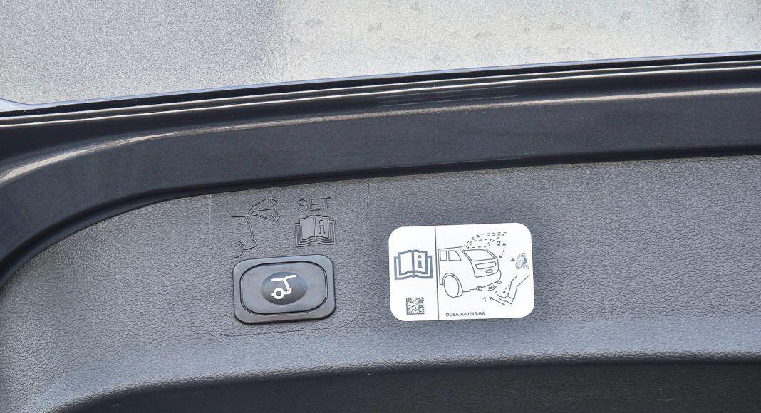 Ford Kuga 2.0 TDCi 180 4x4 Titanium - sterowanie