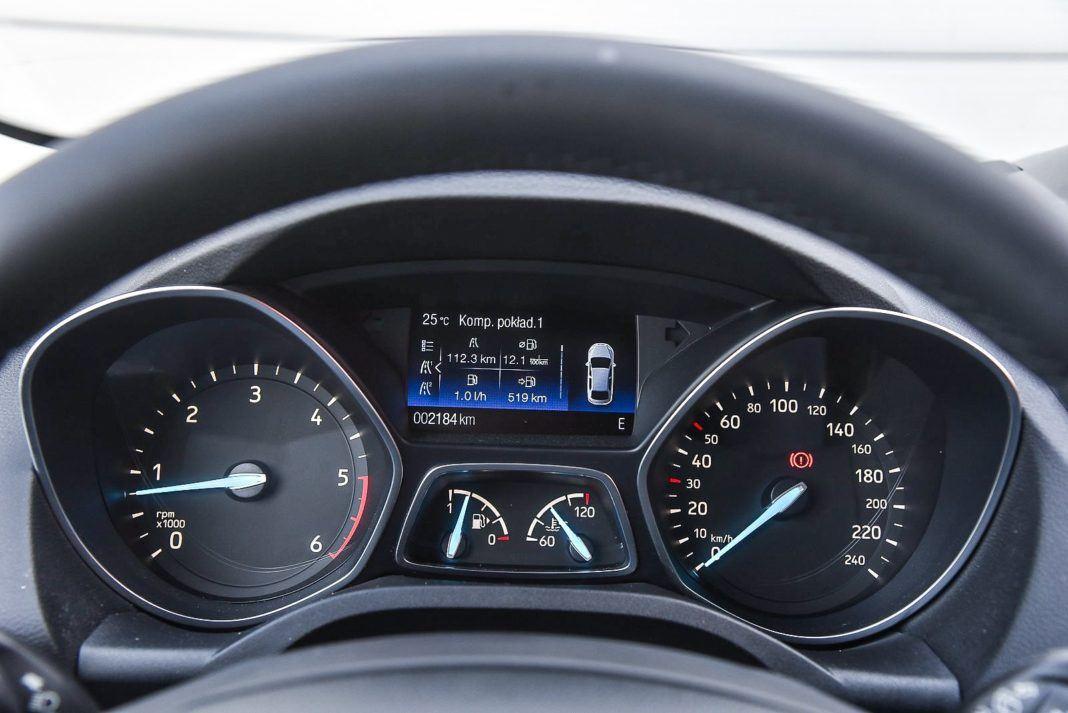 Ford Kuga 2.0 TDCi 180 4x4 Titanium - zegary